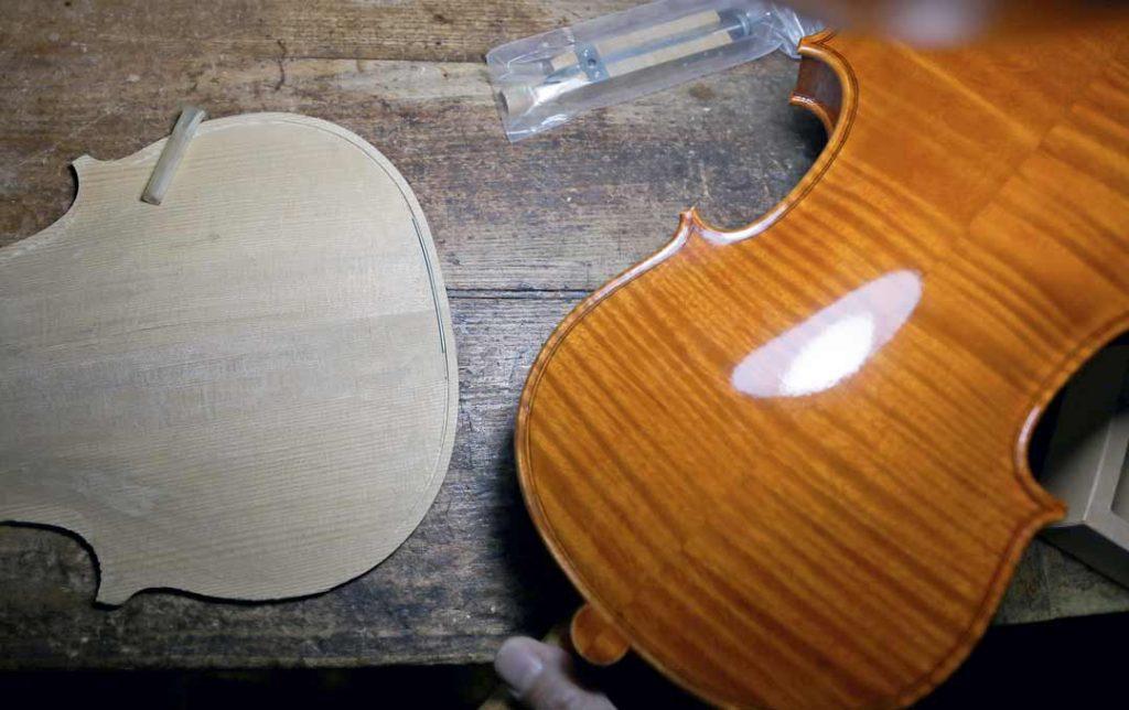 China's Xian Baokang violin craftsman and deaf