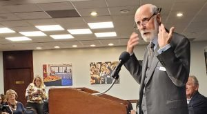 Vint Cerf and Senator Tom Harkin speaking at the National Press Club