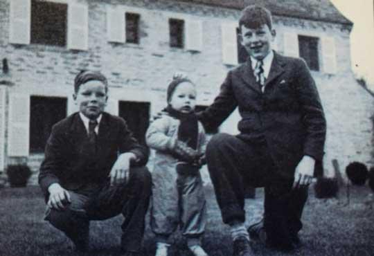 Justin Dart, half brother John Jason Stephan and Peter Dart