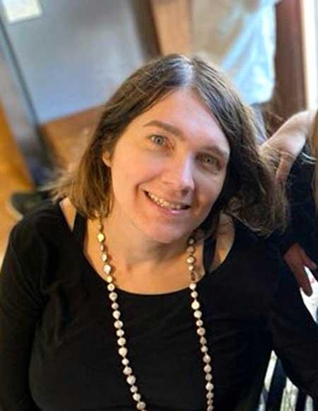 Suzanne Stolz
